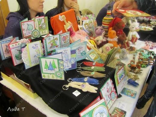 В Челябинске 18-19 декабря в Доме архитектора проходила Новогодняя 10-я выставка-продажа изделий ручной работы. Небольшой фоторепортаж. Первые 4 фотографии куклы от Ирины Викторовны Перебейнос фото 8