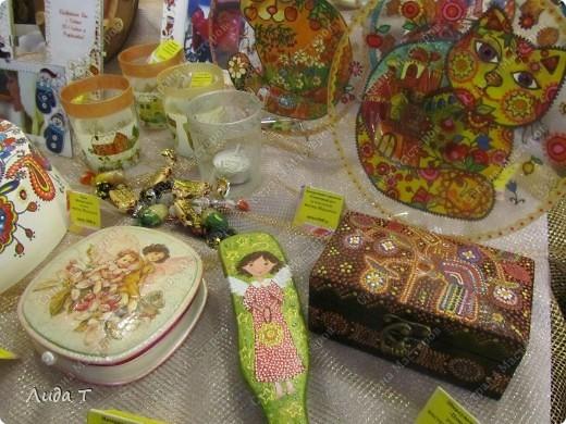 В Челябинске 18-19 декабря в Доме архитектора проходила Новогодняя 10-я выставка-продажа изделий ручной работы. Небольшой фоторепортаж. Первые 4 фотографии куклы от Ирины Викторовны Перебейнос фото 10