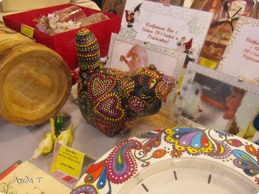 В Челябинске 18-19 декабря в Доме архитектора проходила Новогодняя 10-я выставка-продажа изделий ручной работы. Небольшой фоторепортаж. Первые 4 фотографии куклы от Ирины Викторовны Перебейнос фото 11