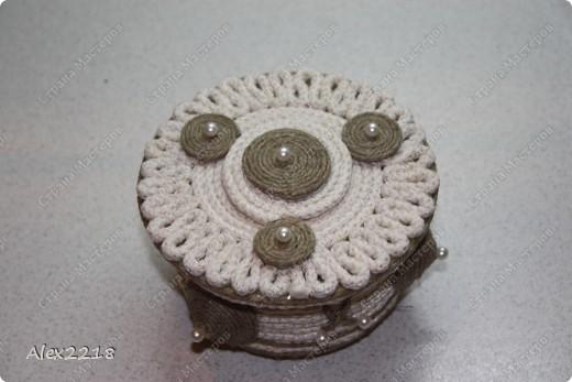 Шкатулка из бельевой веревки и шпагата фото 1