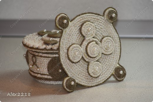 Панно из бельевой веревки и шпагата фото 1
