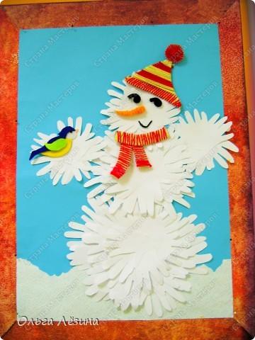 Вот такой снеговичок-добрячок появился у нас к Новому Году фото 3