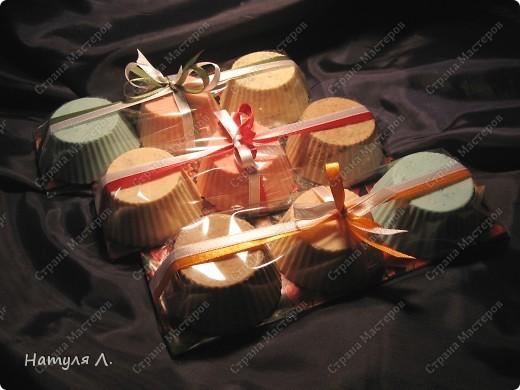 Девочки, ну вот я и закончила мыльную оперу в этом году. Почти все подарки готовы......... Сегодняшнюю ночь выделила для их упаковки.... фото 3