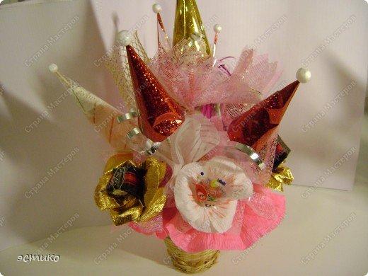 Очень давно хотела сделать на Новый год подарки друзьям и соседям. В Интернете увидела букеты из конфет (Super Cook.ru) и решила попробовать! Выставляю свою пробу. Не судите строго! фото 5