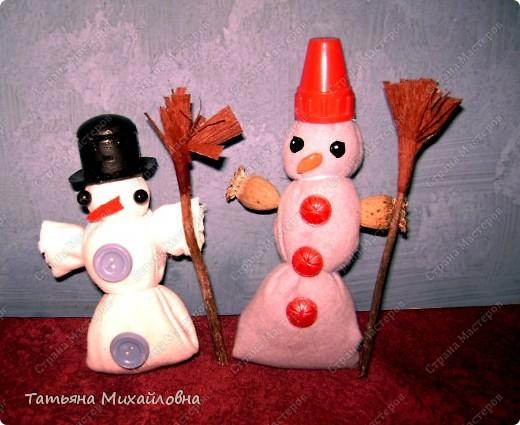 """Кукол по народным традициям мы мастерили.   См: """"Игровые куклы """" http://stranamasterov.ru/node/100802   Почему бы не попытаться использовать эту идею для новогодних поделок. фото 1"""