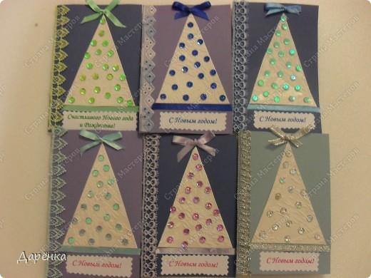 Шесть новых ёлочек, каждая открытка оформлена в одном тоне. фото 8