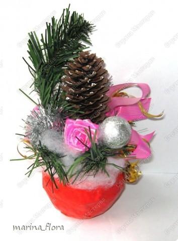 """В библейской традиции яблоко считается плодом райского дерева, то есть Древа познания добра и зла, символ искушения и первородного греха. Композиция """"Рождественское яблоко"""". Яблоко сделано из папье-маше.  фото 2"""