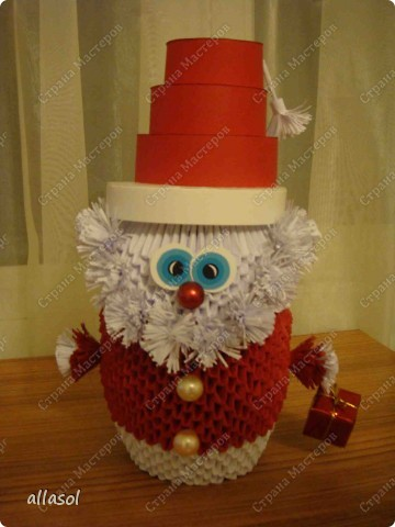 Поздравляю всех с праздниками! Вот такой Дед Мороз появился у нас. фото 1