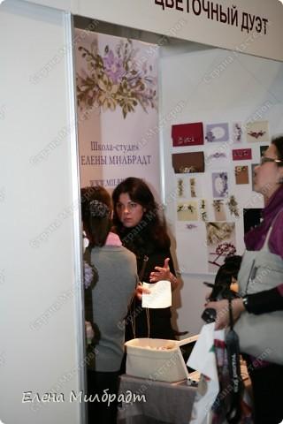 В Октябре 2010 года состоялась III Международная выставка-продажа «Формула Рукоделия», посвященная всем видам рукоделия, на которой я принимала участие совместно с моей замечательной учительницей и подругой, известным фитодизайнером Полиной Кузнецовой.  фото 1
