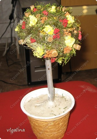 Дерево счастья, правда, когда с дочерью его доделали забыла сфотографировать, в горшочек насыпали цветной песок. фото 3