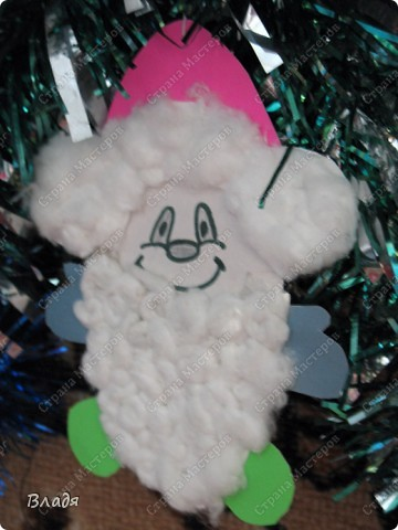 Мой Гномик на новогодней ёлке.