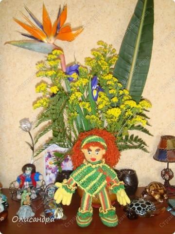 Это вторая куколка,связанная по описанию Annet http://www.u-mama.ru/read/article.php?id=1144  Автором идеи является Нелли Больгерт ... http://www.beadsky.com/nelly_borgelt.php?ln=ru   На первую куколку можно посмотреть здесь... http://stranamasterov.ru/node/136111   фото 6
