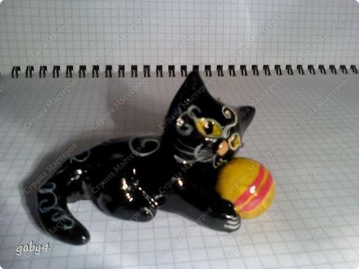 Котёнок. Солёное тесто, инкрустация стразами, роспись - гуашь, лак. фото 3