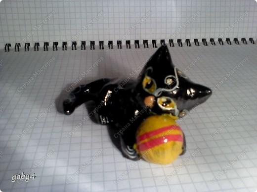 Котёнок. Солёное тесто, инкрустация стразами, роспись - гуашь, лак. фото 2
