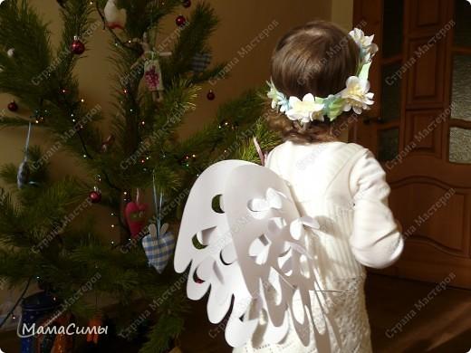 Костюм из бумаги. Веночек и крылья. фото 11