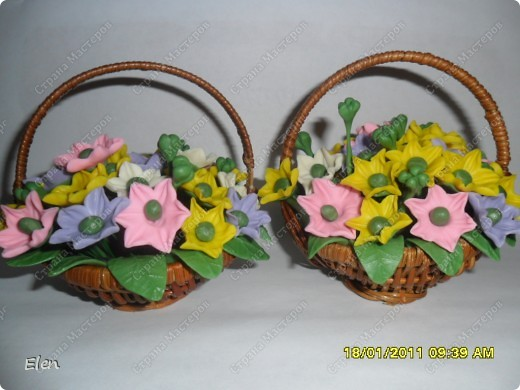 весение цветочки в маленьких корзинках покупных фото 1