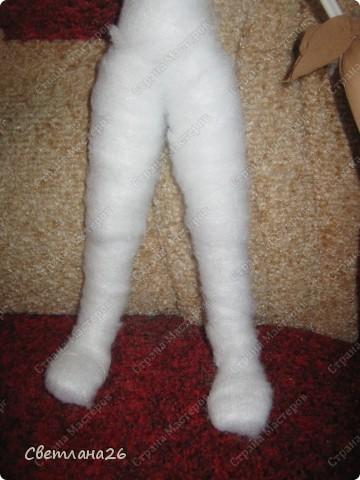 Сегодня доделала очередную куклу, которая должна стать частью интерьера детской комнаты. Параллельно сфотографировала процесс создания каркаса для куклы, правда, не с самого начала, но я думаю, что будет понятно. фото 14