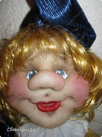 Сегодня доделала очередную куклу, которая должна стать частью интерьера детской комнаты. Параллельно сфотографировала процесс создания каркаса для куклы, правда, не с самого начала, но я думаю, что будет понятно. фото 2