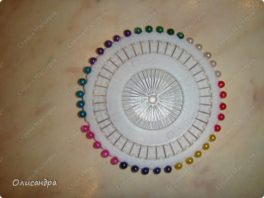 Темари- красивые шарики, которые очень приятно... не только держать в руках, но и делать... Здесь Вы можете подробно узнать об этом прекрасном искусстве... http://www.temari.ru/index.php http://leit.ru/modules.php?name=Pages&pa=list_pages_categories&cid=33 фото 8