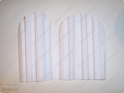 Очередной эксперимент с бумагой. И вот результат, от такой вот шикарнейший букет из сердец. Одним словом сделала сердечки и ими заскрапила деревянные палочки для шашлыков, немного добавила розочек, листиков из бумажной верёвочки, банты из бумажной ленты и стразы сердечек. фото 8