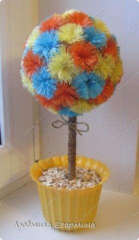 Насмотревшись на многообразие деревьев и цветочных шаров в Стране Мастеров, тоже решила подарить себе и окружающим кусочек счастья. Вот, что получилось. фото 2