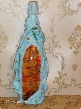 Эту бутылочку я сделала подруге ко дню рождения. Декупаж на ткани. фото 3