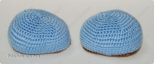 Размером получился поменьше, чем первый, без шляпы 24 см, со шляпой - 29 см. фото 14