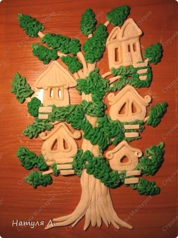 """Ну вот....закончила свое любимое дерево!!! Нашла выход из ситуации со сломанными тоненькими веточками - добавила бантики. Доча говорила """"не надо, по цвету не подходят!!!"""" ...а я телец!!! решила - значит будут бантики :о) и просто подкрасила их в цвет """"листьев""""..... фото 10"""