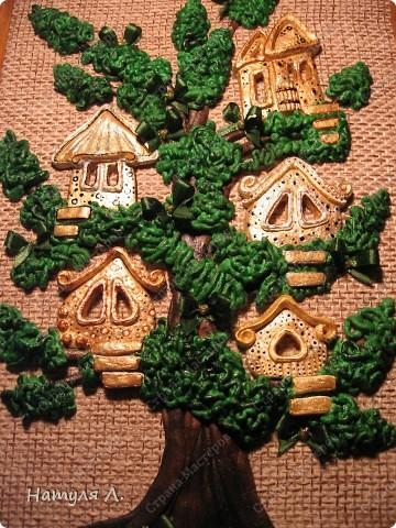 """Ну вот....закончила свое любимое дерево!!! Нашла выход из ситуации со сломанными тоненькими веточками - добавила бантики. Доча говорила """"не надо, по цвету не подходят!!!"""" ...а я телец!!! решила - значит будут бантики :о) и просто подкрасила их в цвет """"листьев""""..... фото 6"""