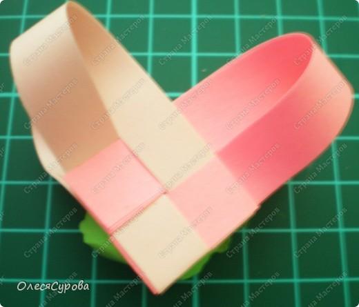 Вот такое сердечко из двух полосок с розочкой ... фото 2