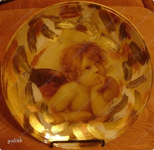 Фото 1. Тарелочка в стиле декупаж с использованием патины и мордана (фото со вспышкой) фото 2