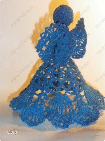 Ангел света голубой защищает нас с тобой: От ушибов и увечий, и от злобы человечьей,  И от разных темных сил, Если ты о том просил...                                    Нелли Леднёва  фото 2