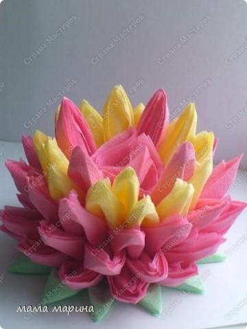 Попробовала сделать этот цветочек из обычных салфток, получилась лилия.Спасибо за МК Алёне Гагариной фото 2