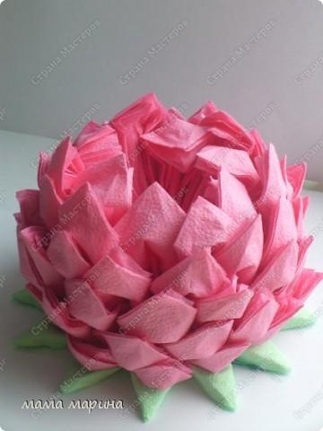 Попробовала сделать этот цветочек из обычных салфток, получилась лилия.Спасибо за МК Алёне Гагариной фото 4