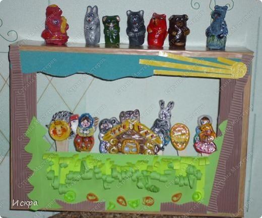 на фото два театра: пальчиковый и фигурки на палочках для мороженного фото 1
