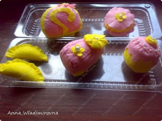 """Недавно """"заболела"""" пироженками из фетра. Теперь у моих малышей есть все для кукольного чаепития) фото 5"""