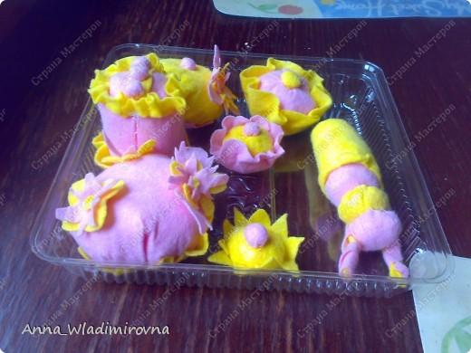"""Недавно """"заболела"""" пироженками из фетра. Теперь у моих малышей есть все для кукольного чаепития) фото 6"""