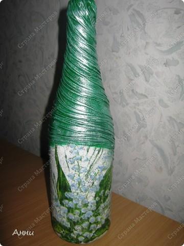 Первые работы с декорированием бутылок тканью.  При работе использовала капроновые чулки, салфетки, акриловые краски, лак, микробисер, блёстки. фото 7