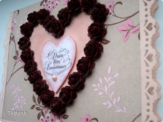 Вот такая валентинка с сердцем из роз у меня получилась розочки делала по этому МК http://asti-n.ya.ru/replies.xml?item_no=184, фон-салфетка  по этому МК http://stranamasterov.ru/node/41463?c=favorite фото 2