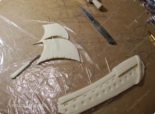 Я делала уже такой корабль около года назад. Размер работы 60х50 см. Сейчас покажу, как я его лепила и расписывала))) фото 6
