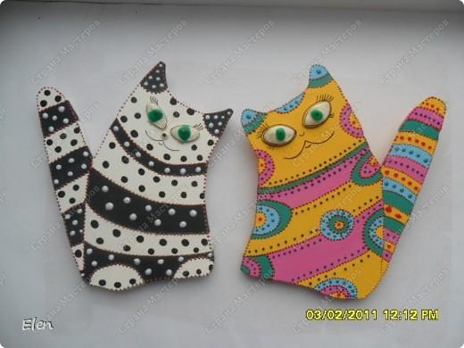 кошки из гипса,росписаны акриловыми и витражными красками фото 1
