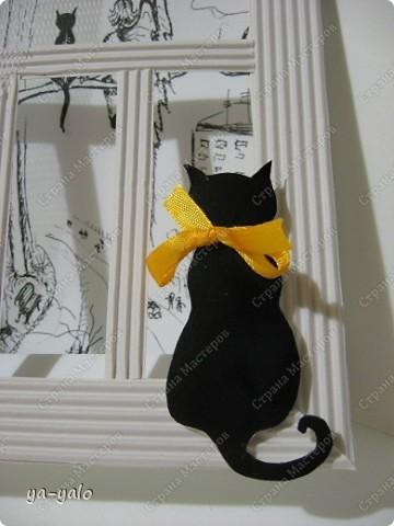 Почему кошки так любят сидеть на окне? Почему так пристально вглядываются в даль? Что видят там они? Может быть, то, что не дано видеть нам, людям?  фото 5