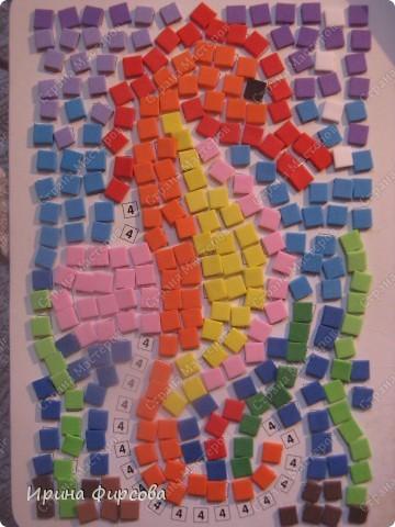 Морской конёк. Не хватило красных квадратиков - думаю либо из бумаги сделать, либо из поделочной резины (только где она продаётся, пока не встречала...) фото 1