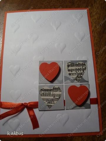 """Да здравствует мой любимый минимализм!    Материал-бумага для пастели ("""" тиснила""""подручными средствами,)  картон, лента, вырезка из журнала-ноты, сердечки для декора. фото 1"""