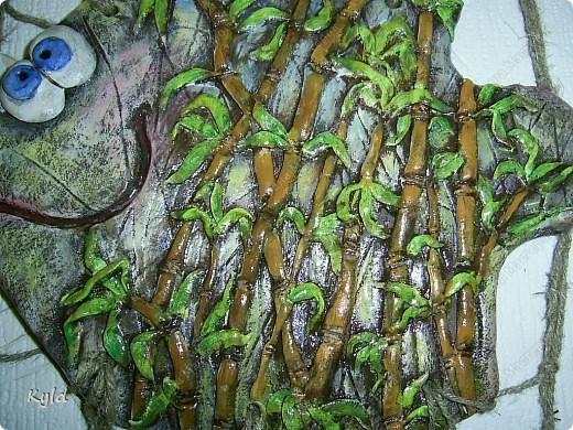 """Рыбы были сделаны в подарок подруге на ее день Рождения. она очень хотела на кухню себе рыбу и обязательно в китайском стиле. А я слепила двух рыб, решила что одной будет скучно, а так они друг на друга смотреть будут)))) Эта первая, рыбка """"Зеленый чай"""".  фото 6"""