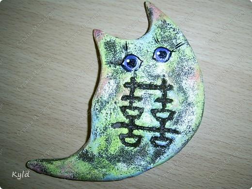 """Рыбы были сделаны в подарок подруге на ее день Рождения. она очень хотела на кухню себе рыбу и обязательно в китайском стиле. А я слепила двух рыб, решила что одной будет скучно, а так они друг на друга смотреть будут)))) Эта первая, рыбка """"Зеленый чай"""".  фото 9"""