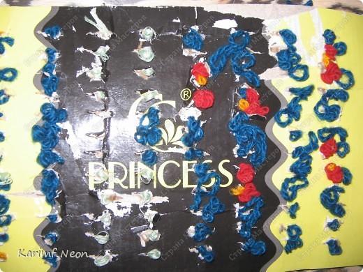Снова поделки дочки моей подруги (5 лет). Вся картина выполнена нитками, НО КЛЕЙ И РАЗНЫЕ ИГЛЫ МЫ НЕ ИСПОЛЬЗОВАЛИ. фото 7