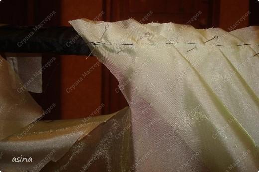 Продолжаем готовиться к весне... и шить сваг  http://stranamasterov.ru/node/149663 -тут начало МК Теперь складочки, заколотые иголочками наметывает, не пришивая!!! к планке. фото 4