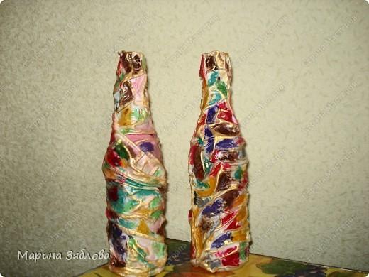 Бутылочки превращаются .... в элегантные вазы !Давно столкнулась с проблемкой: нет вазы для одной розочки или например трех тюльпанов.Все вазы какие-то большие.Вот решила сделать маленькие вазочки . фото 10