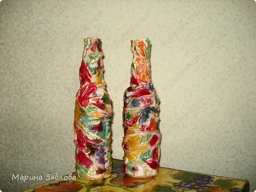 Бутылочки превращаются .... в элегантные вазы !Давно столкнулась с проблемкой: нет вазы для одной розочки или например трех тюльпанов.Все вазы какие-то большие.Вот решила сделать маленькие вазочки . фото 11